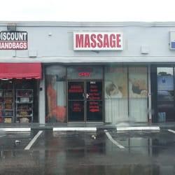 Nude massage in Hallandale Beach (US)